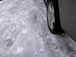 Лед против автомобильных тормозов.
