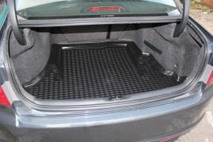 Коврик для багажника.